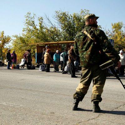 Боевики ЛНР из ФСБ грабят граждан под видом обысков - разведка