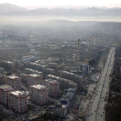 Утром в Кабуле взорвалось авто со смертником: более 10 людей погибло