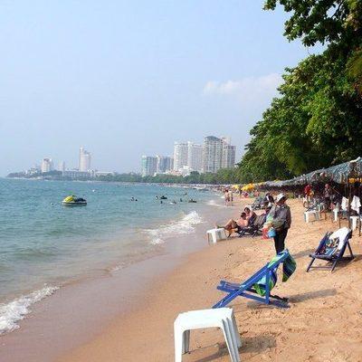 Голые и пьяные: двух россиян задержали на пляже в Таиланде