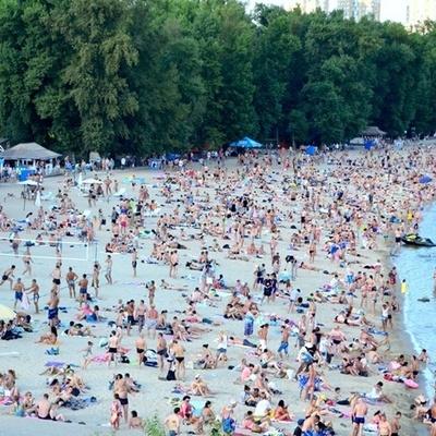 Опасность подхватить серьезные болезни: в Киеве снова запрещено купаться