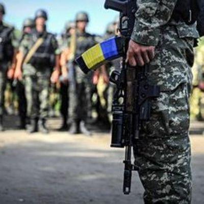 В Николаеве трое военных-контрактников избили и ограбили прохожего