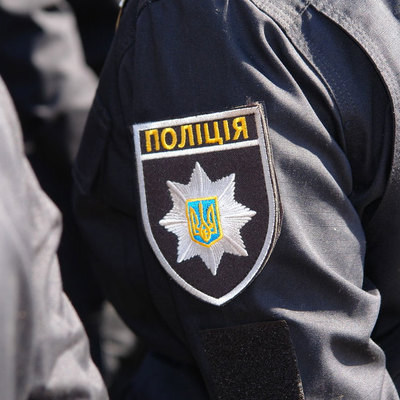 В Киеве на Оболони бытовой конфликт закончился массовой дракой, есть пострадавшие (видео)