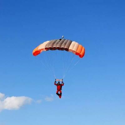 На Арабатской стрелке разбился парашютист из Киева