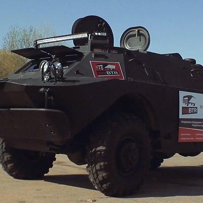 Под Херсоном военная БРДМ протаранила легковушку из-за лопнувшей на жаре шины