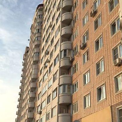 В Киеве женщина на глазах у родных выпрыгнула с 10-го этажа