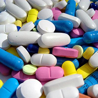 Скандал в Киеве: у детского сада рассыпали ядовитые таблетки
