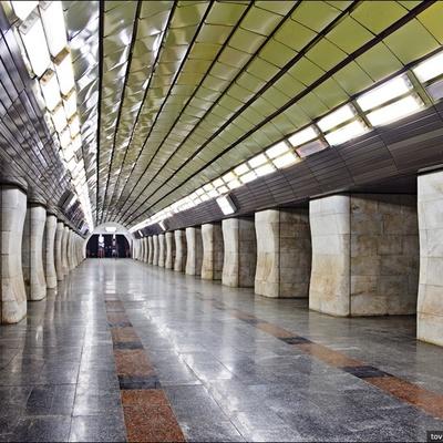 В Киеве первая станция метро полностью отказалась от жетонов
