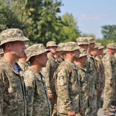 Полторак проверил на Донбассе боеготовность артиллеристов и танкистов