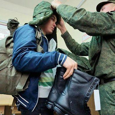 Призыв-2017: Военкоматы Киева начинают рекрутировать юношей в Нацгвардию