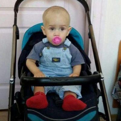 В Киеве посреди улицы оставили ребенка в коляске