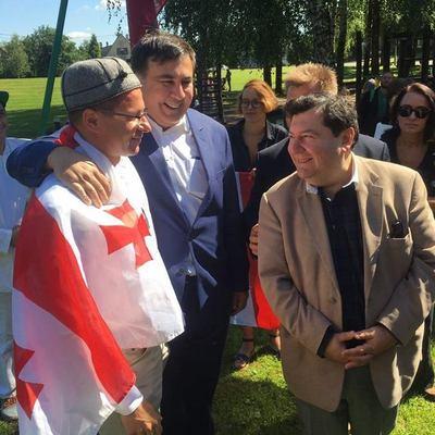 Стало известно, какая страна приняла Саакашвили (фото)