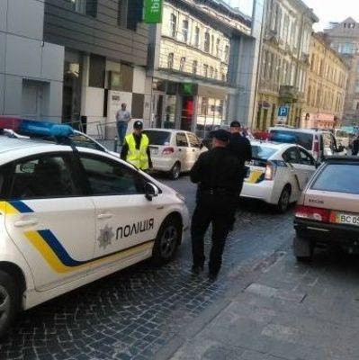 В Киеве пьяный водитель за вечер совершил 4 ДТП (видео)