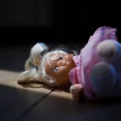 Куда смотрели родители: В Черновцах подросток изнасиловал 6-летнюю девочку