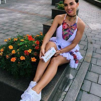 Анна Седокова похвасталась летним образом (фото)