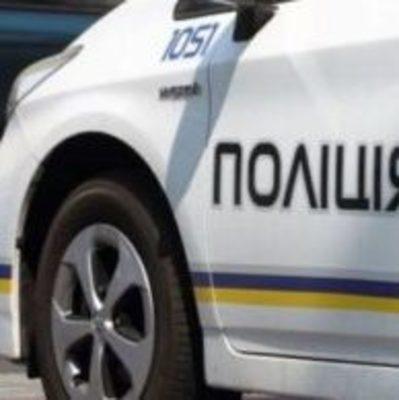 В Одесской области мужчины напали на полицейских и забрали их авто
