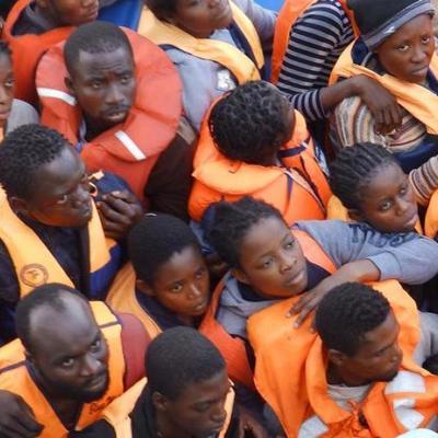 Полсотни подростков жестоко утопили в море (фото)