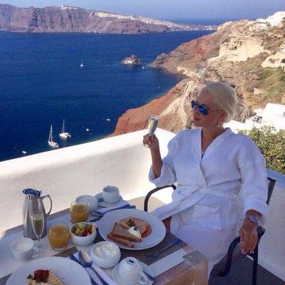 Катя Бужинская похвасталась яркими фото из отпуска в Греции (фото)
