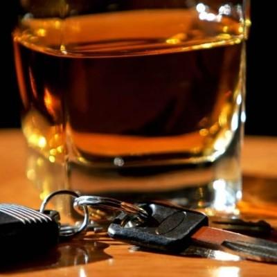 В Запорожье пьяный водитель «бросался деньгами» в полицейских (видео)