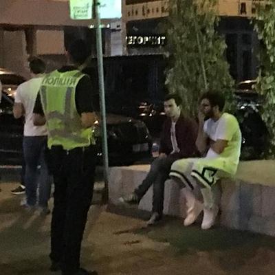 Сын Шуфрича на Bentley сбил мужчину в центре Киева  (фото)