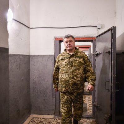 Порошенко в Краматорске устроил совещание с военными
