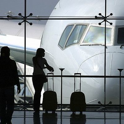 Туроператор оставил туристов в аэропорту, не оплатив рейсы