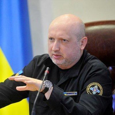 Кортеж Турчинова нарушил ПДД прямо на глазах полиции
