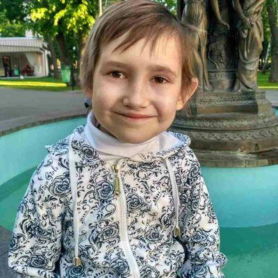 8-летняя Алиса Новикова нуждается в помощи