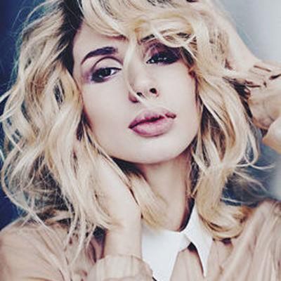 Светлана Лобода появилась на снимках в модном образе