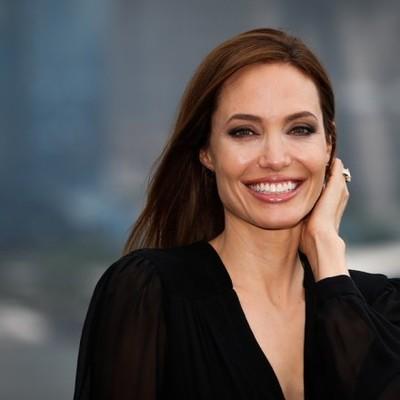 Анджелине Джоли предстоит очередная операция