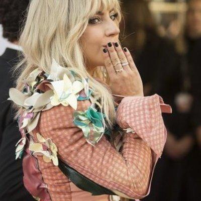Леди Гага разорвала помолвку с возлюбленным