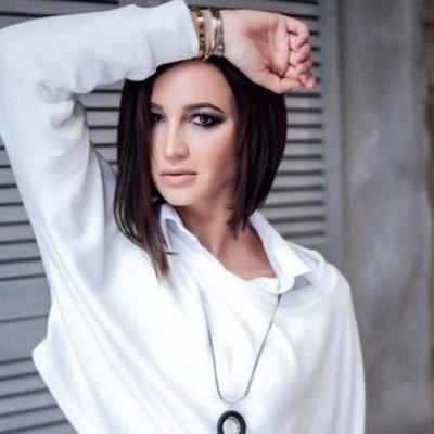Ольга Бузова рухнула со сцены музыкального конкурса «Новая Волна»