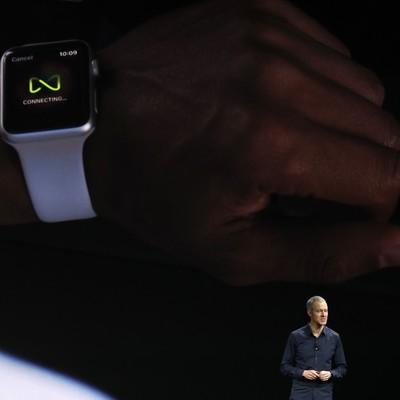 На киевском вокзале сняли рекламу о новом поколении Apple Watch