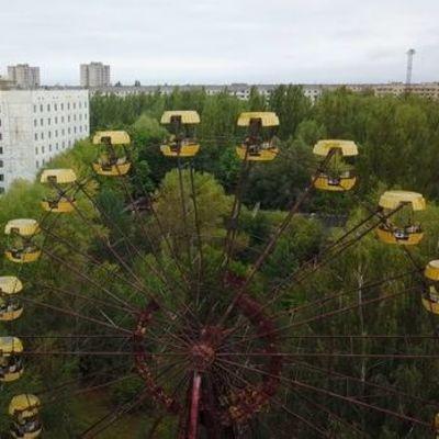 В Припяти туристы запустили колесо обозрения (видео)