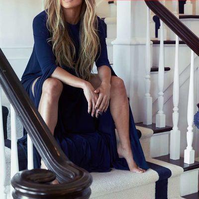 Дженнифер Лопес устроила фотосессию в собственном доме