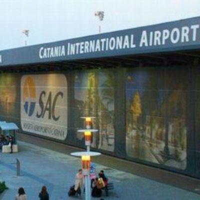 «Отец года»: мужчина оставил сына в аэропорту а сам улетел на каникулы