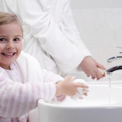 Неплохой метод: как приучить ребенка к гигиене