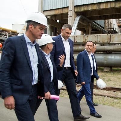 Виталий Кличко проверил работу нового оборудования на ТЭЦ № 6, которое значительно экономит энергоносители