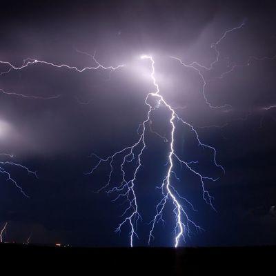 В Черниговской области на полигоне от удара молнии погиб курсант