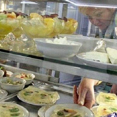 Портят аппетит: нардепы жалуются на журналистов в столовой ВР (видео)