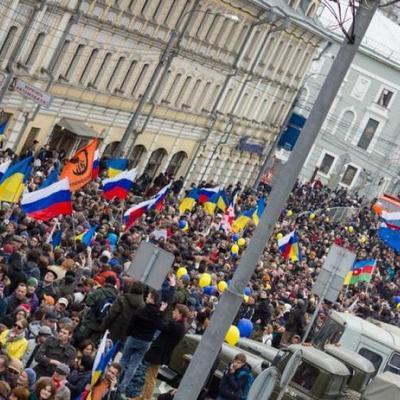 На митинге в Питере звучит «Слава Украине» (фото, видео)