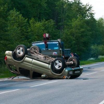 Разгромленные авто и кофейня: жуткая авария поставила на уши киевлян (фото)