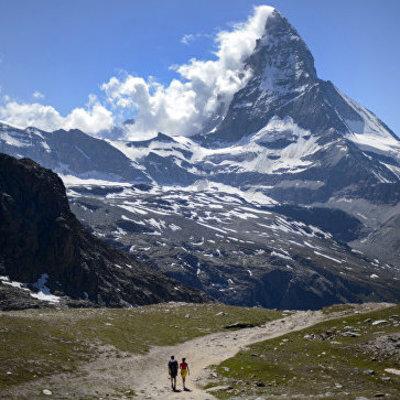 Ну вот, кто бы сомневался: швейцарская компания начала продавать альпийский воздух