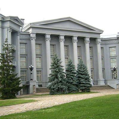 В Киеве может рухнуть здание Музея истории Украины