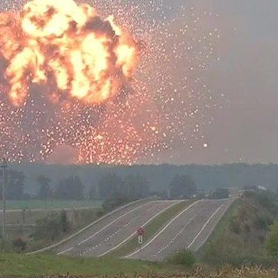 Саперы начали расчистку территории: интенсивность взрывов на складах боеприпасов значительно снизилась
