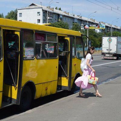 В Киеве проезд в маршрутках и пригорода может подорожать в два раза