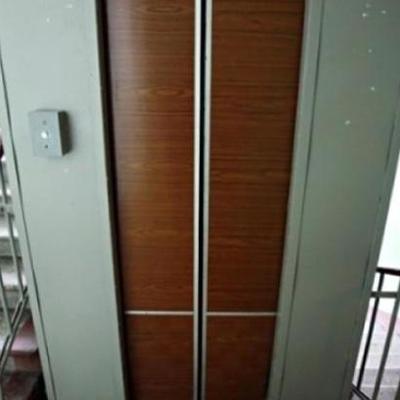 На столичной Троещине оборвался лифт с женщиной