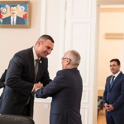 Кличко: Скоро в Киеве откроется Азербайджанский торговый дом и будет установлен памятник Муслиму Магомаеву
