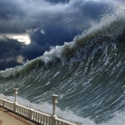 Высота волн достигала 7 метров: в Китае наблюдали речное цунами (видео)