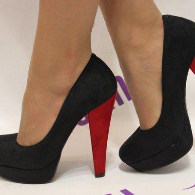 Ученые исследовали, опасна ли для здоровья обувь на каблуках