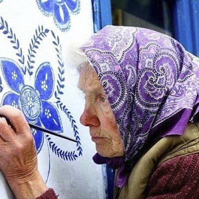 90-летняя чешская бабушка превратила маленькое село на свою арт-галерею (фото)